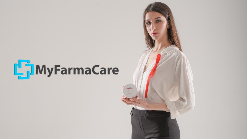 Ragazza tiene in mano prodotti Liolà in collaborazione con Myfarmacare